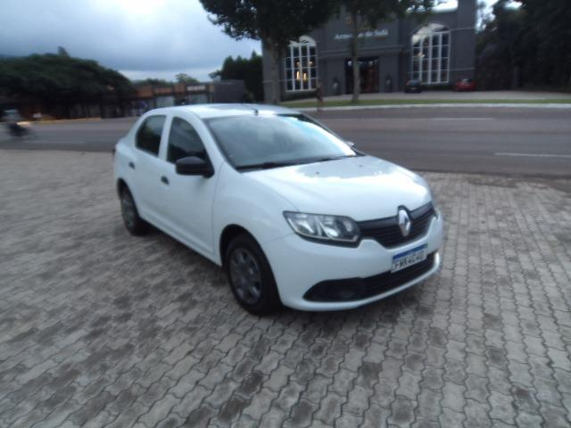 Renault Logan Authentique 1.0 16V (flex) 2016 - Foto 6