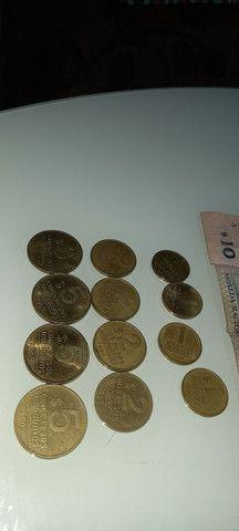 Lote de moedas e cedula do Uruguai antigas - Foto 3