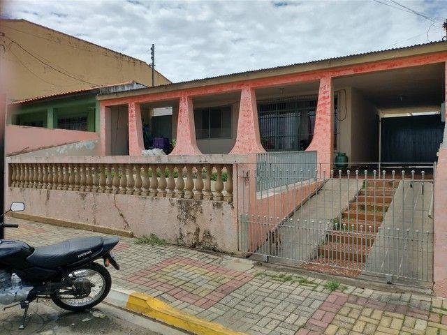Casa para Venda no Centro de Porangaba com 3 Quartos, Edicula com Banheiro