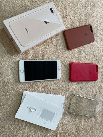 Iphone 8 Plus 64Gb branco + Capas + acessórios - Foto 2