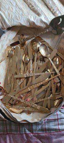 Conjunto ingles de aço banhado a ouro 18k