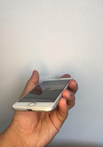iPhone 8 de 64gb - até 12x sem juros - Foto 3