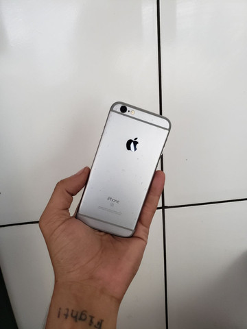 IPhone 6s 128 GB  BARAO DE COCAIS, Bateria 100% - Foto 2
