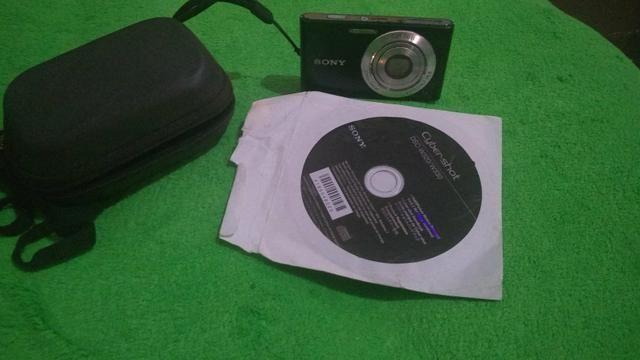 Câmera Sony 14.1 mega pixel