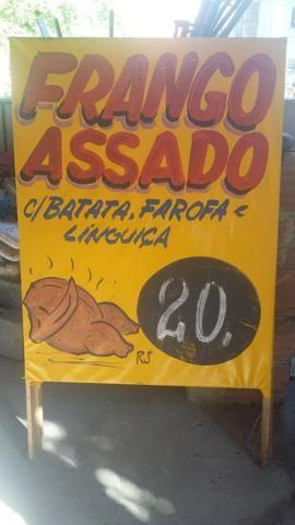 Placa cavalete frango assado