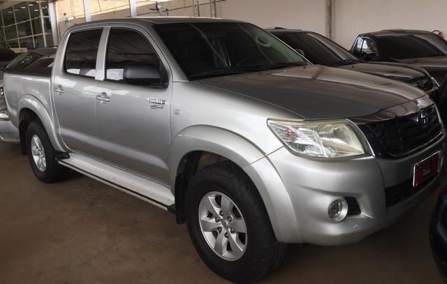 Toyota Hilux SRV 2.7 Flex 13/13