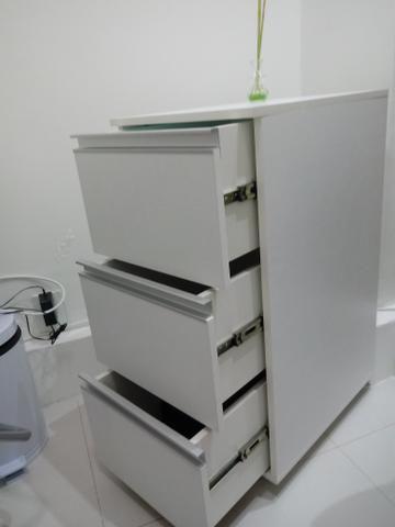 Armário em mdf com três gavetas - VENDE-SE - Foto 2