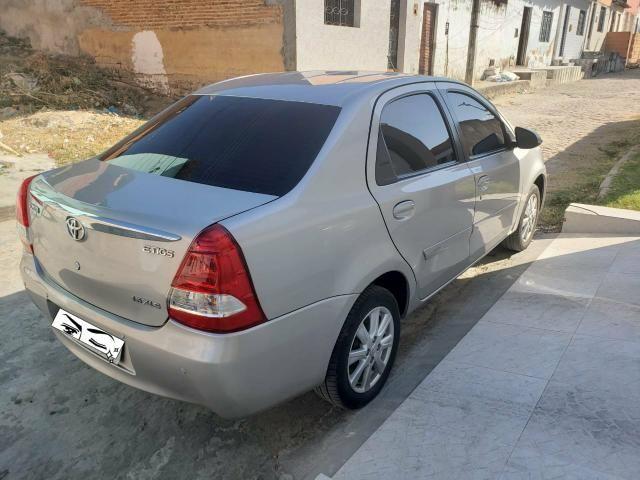 Toyoya etios sedan 1.5 xle - Foto 2