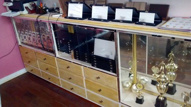 Balcão Cristaleira madeira de imbuia - Foto 2