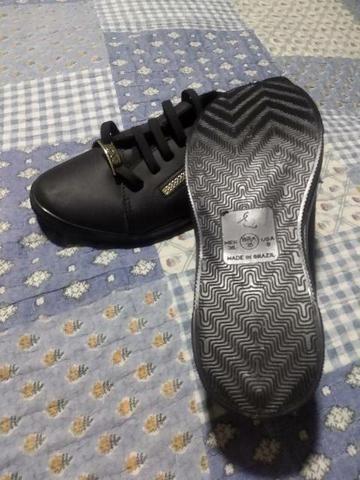 Vendo sandália viva n 35 preta - Foto 4