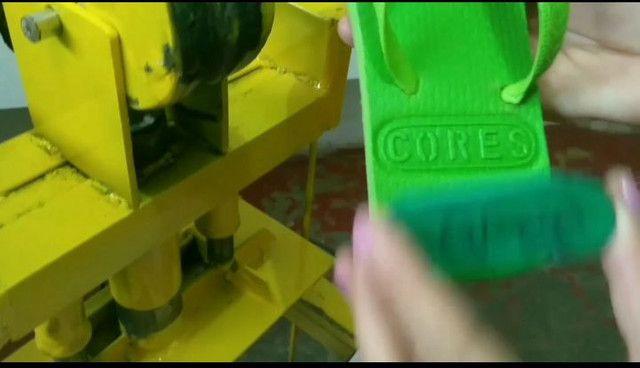 Máquina para fabricar chinelos - Foto 2