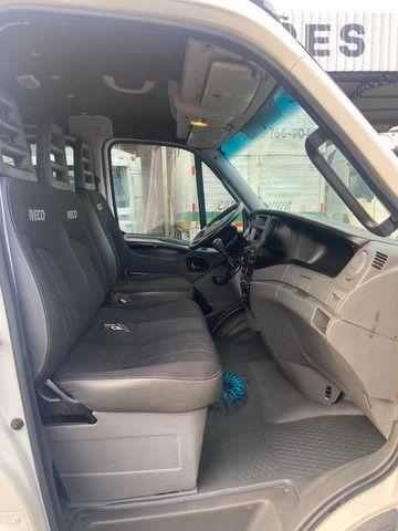 Iveco Daily 70 C 17 14/14 Cabine Dupla Com AR - Foto 10