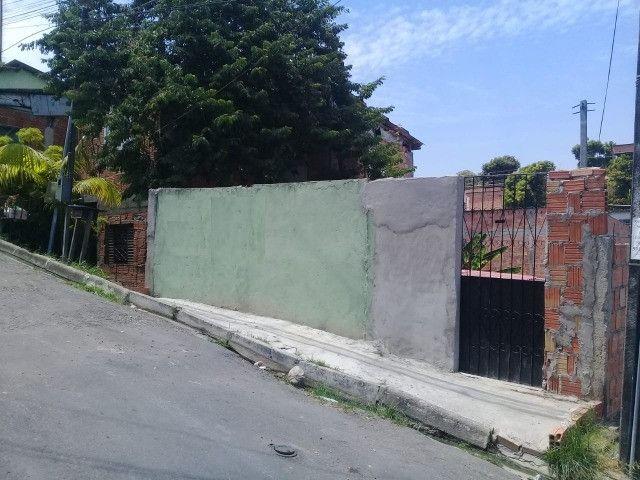 Armando Mendes com casa e terreno medindo 08 x 25