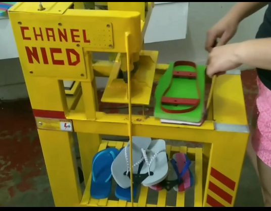 Máquina para fabricar chinelos - Foto 4