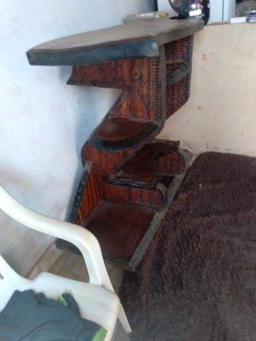Rack mesa e banco tudo de madeira  - Foto 5