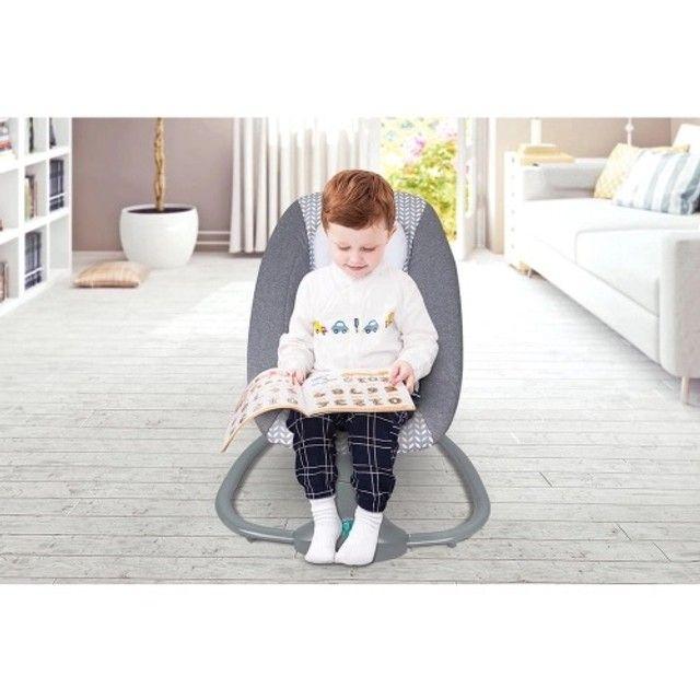 Cadeirinha de Balanço automática - cadeira de bebê vibra música bluetooth - Foto 4