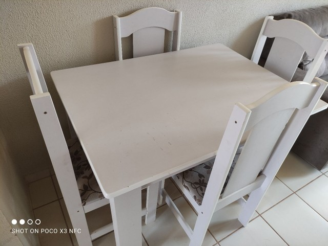 Mesa 4 cadeiras semi nova - Foto 2
