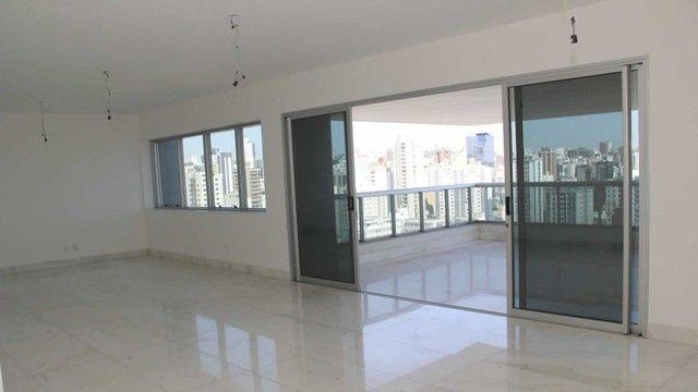 Apartamento de Alto Luxo com 265m² no Funcionários