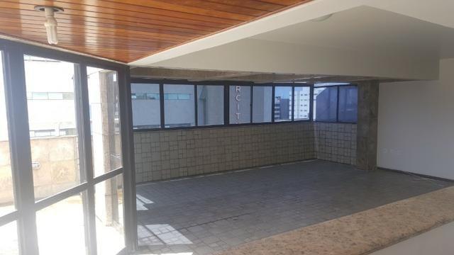 3 anos de condomínio free, cobertura com 450m2 na ponta verde - Foto 6