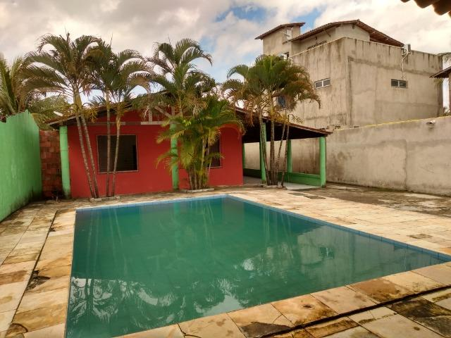 Alugo casa com piscina para festas de fim de ano