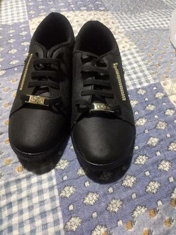 Vendo sandália viva n 35 preta - Foto 3