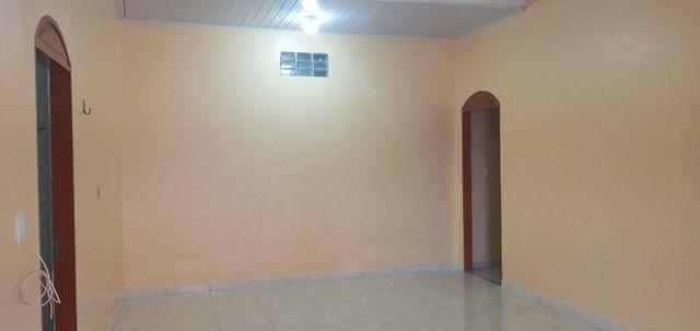 Aluga-se casa no universidade com 03(três) quartos, sendo um suíte - Foto 5