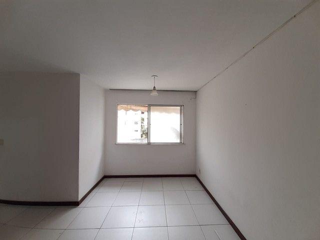 Apartamento com 2 dormitórios para alugar, 55 m² por R$ 1.000,00/mês - Imbuí - Salvador/BA