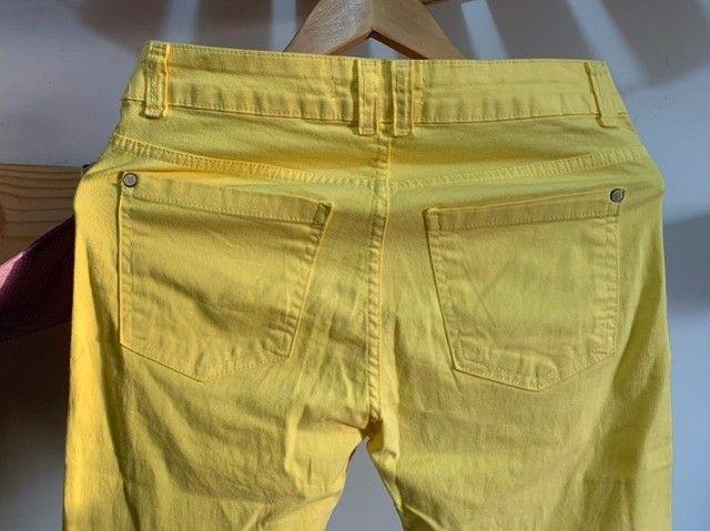 Calça Jeans Amarela - n 38 - Foto 2