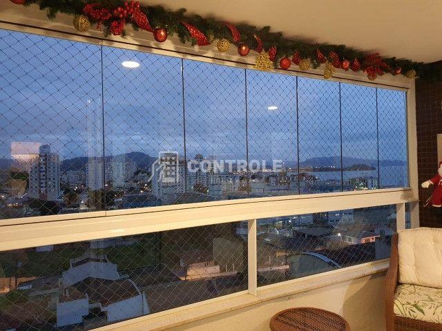 (R.O)Oportunidade ! Apartamento 3 dormitórios c/ Vista para o mar  em Barreiros- São José