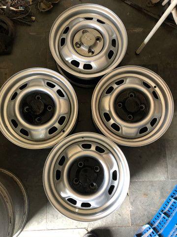 Jogo de rodas de Chevette DL com calotas originais