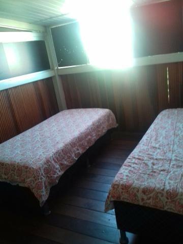 Alugo quarto no umuarama
