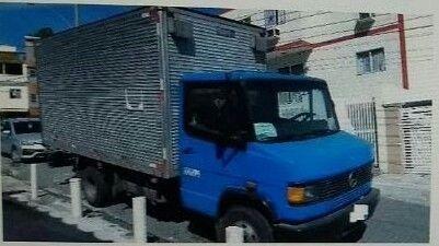 VENDO Caminhão MB709 baú