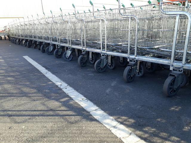 Carrinho de supermercado cesto e prancha - Foto 4