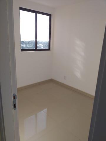 Apartamento Farol três quartos novos - Foto 4