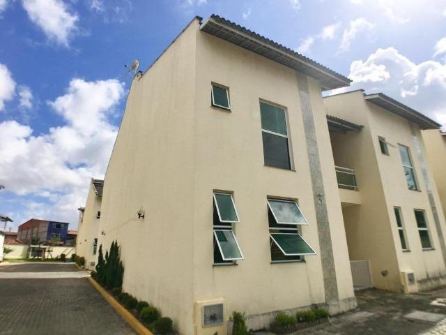 CA0873- Casa duplex em condomínio fechado com 3 quartos, sendo 1 suíte