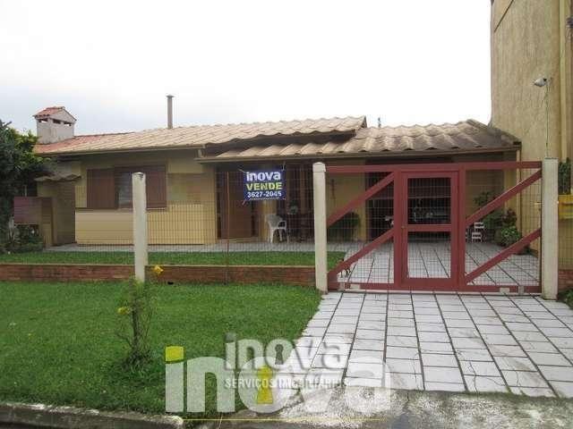 Casa com 2 dormitórios em Imbé.