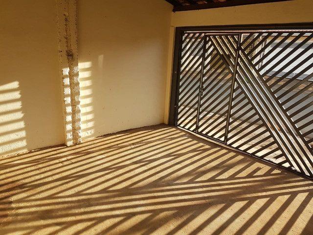 Vende-se - Casa c/ 3 Dormitórios / Araras/SP - Foto 3