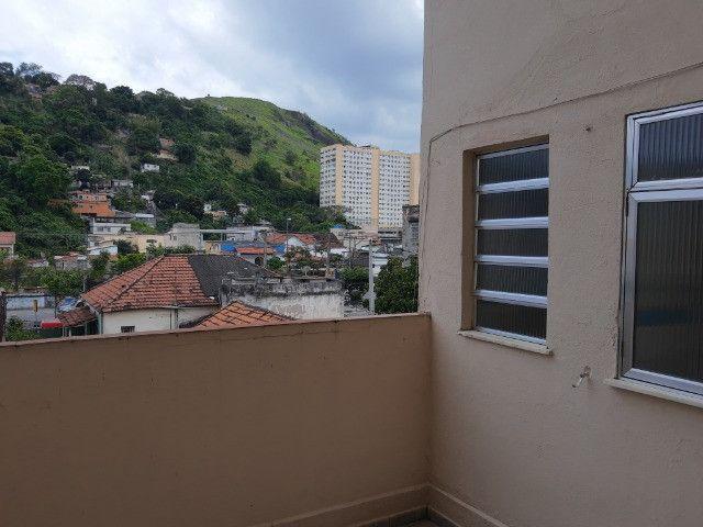Alugo Apto de Quarto e Sala com Dep. Completa no Fonseca. - Foto 20