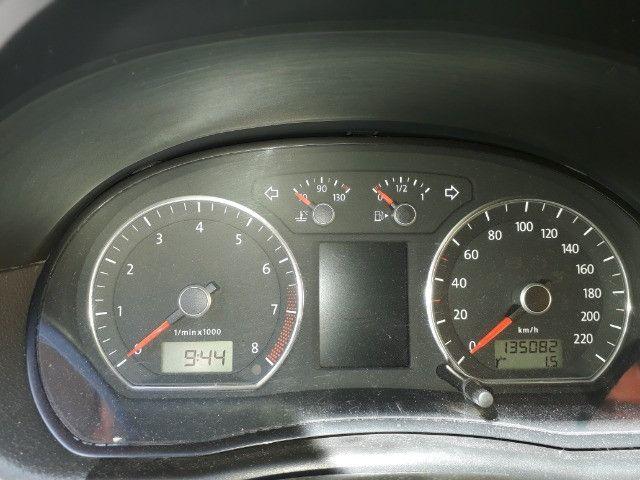Polo Sedan 1.6 Confortiline 2013 - Foto 13