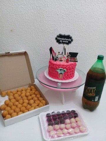 Kit festa Com torta personalizada a partir de 100