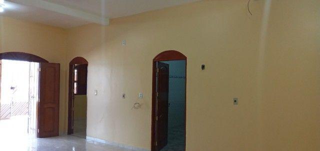 Aluga-se casa no universidade com 03(três) quartos, sendo um suíte - Foto 4