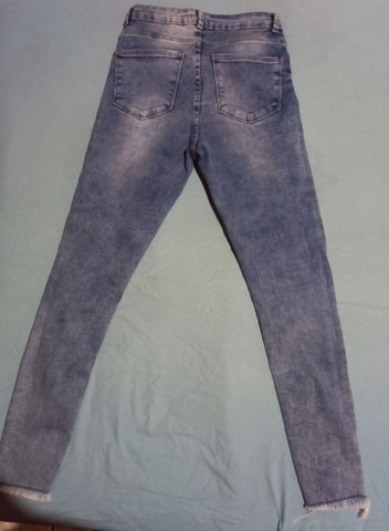 Calça feminina jeans com laycra. N° 38 pequeno. - Foto 2