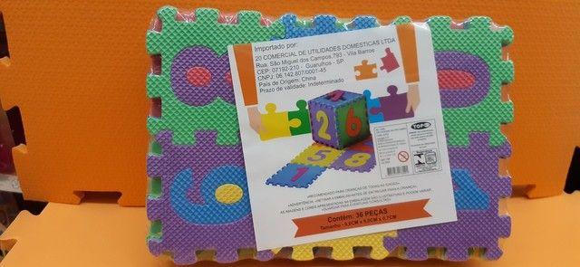 Mini-  tapete  infantil de montar  de letras e números, todos alfabéticos.  - Foto 3