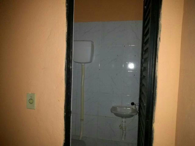 """Kitnet Popular básica, no Icuí Guajará,1 Salão em formato de """"L"""", - Foto 3"""