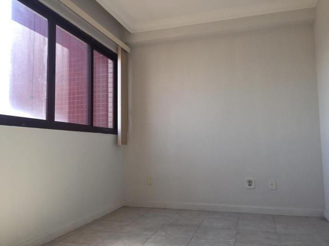 Murano Imobiliária aluga sala comercial no Centro de Viila Velha - ES.