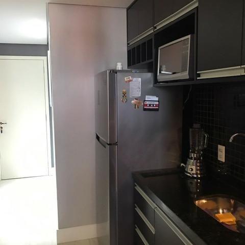 Lindo apartamento mobiliado e duas vagas de garagem - Foto 12
