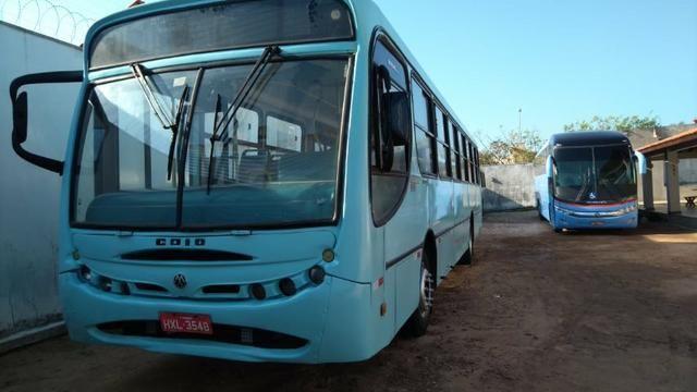 Onibus Volkswagen induscar apache u, cor azul, ano fab/mod 2005, 42 lugares, 206 cv - Foto 2