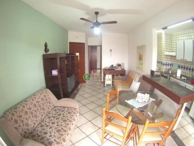 Apartamento de 1 dormitório com sacada em canajure