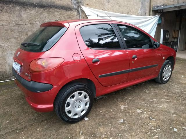 Peugeot 206 ano 2007 1.4 flex com manual nota fiscal de fábrica e chave reserva - Foto 17