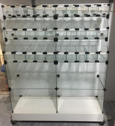 Balcão, expositor de vidro